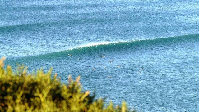 surfing menakoz 28