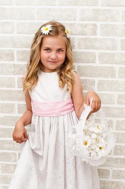 Flower Girl Baskets Canada : Bride in bloom september