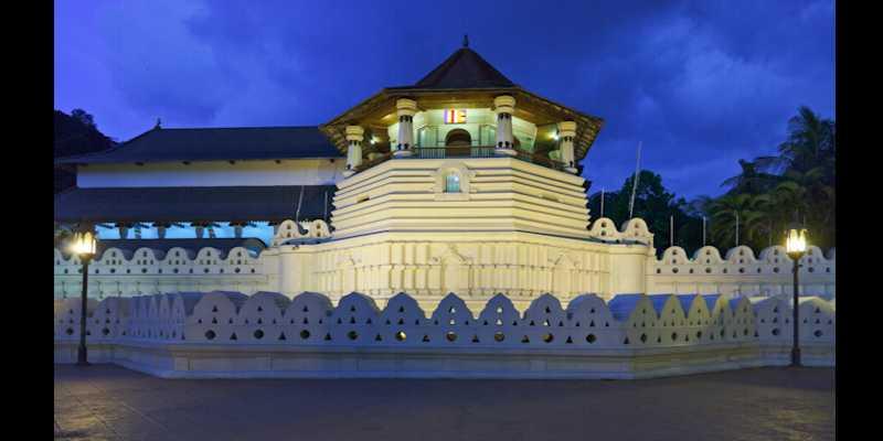 10 Tempat Wisata Paling Top di Sri Lanka - Suci Kota Kandy