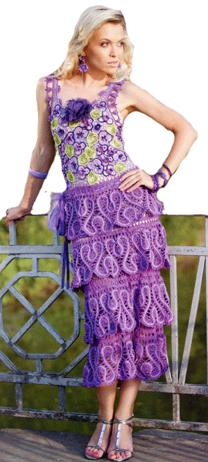 нарядное платье с мотивами из анютиных глазок