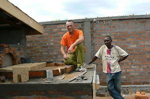 la costruzione del forno a Bangui