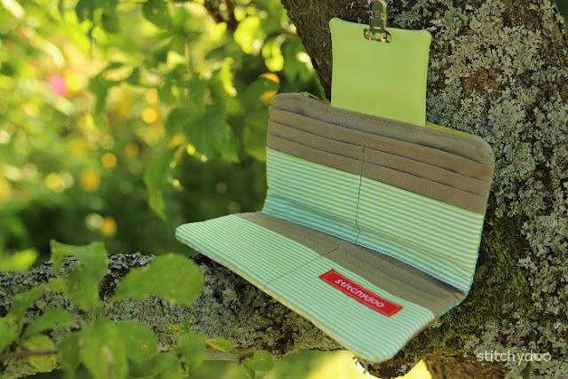 genähte Geldbörse - Innenseite mit Kartenfächern aus Stoff
