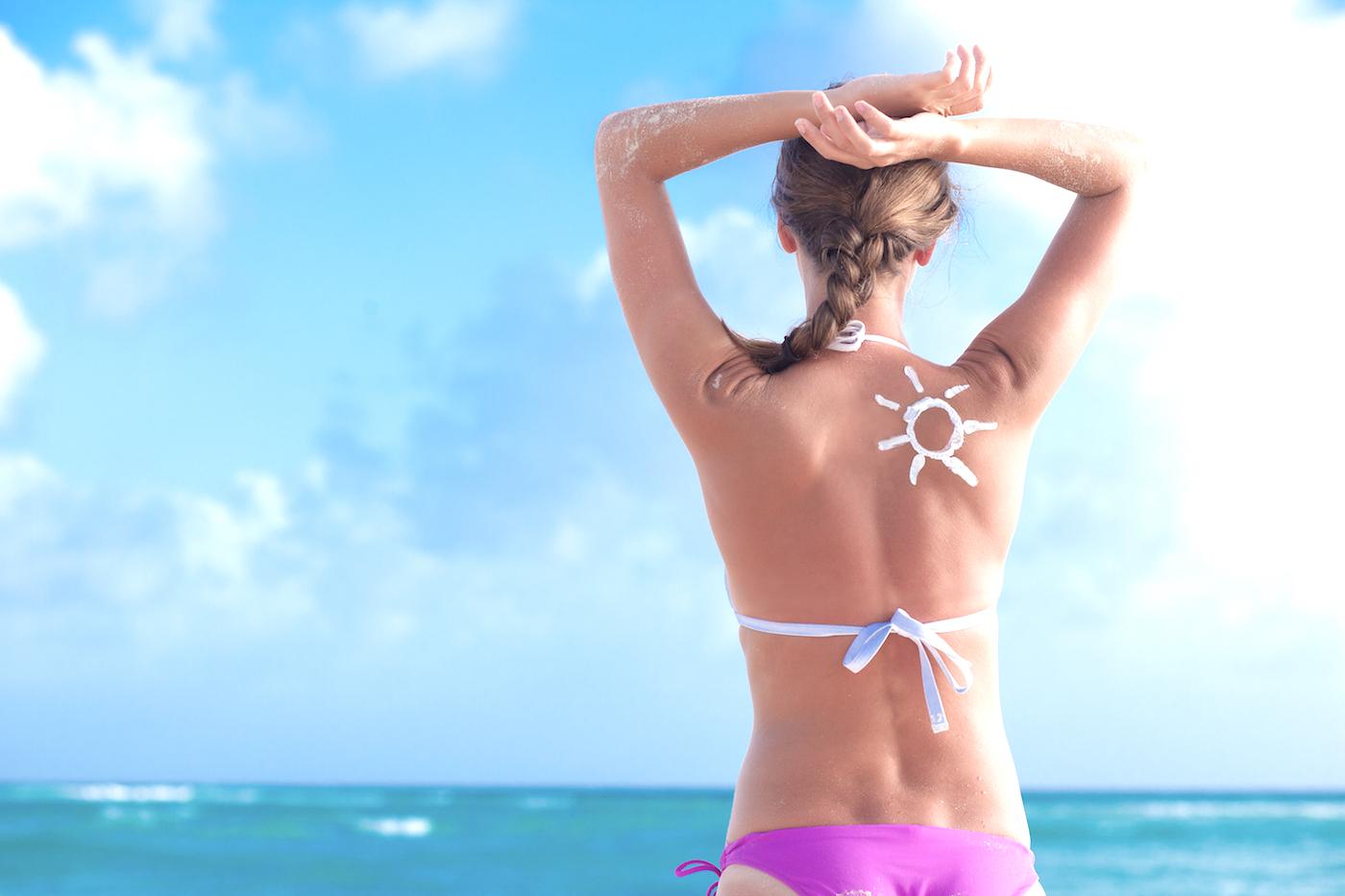 usar protetor solar antes do bronzeador