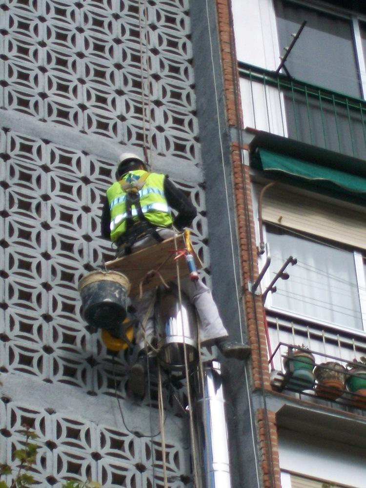 Reformas conductos ventilaci n madrid chimeneas y salida - Salida de humos cocina normativa ...