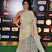 janani iyer glamorous in saree-mini-thumb-20
