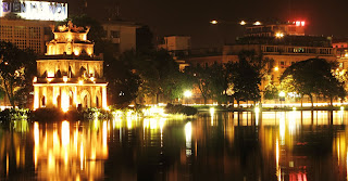 Hoan Kiem lake- night in HN