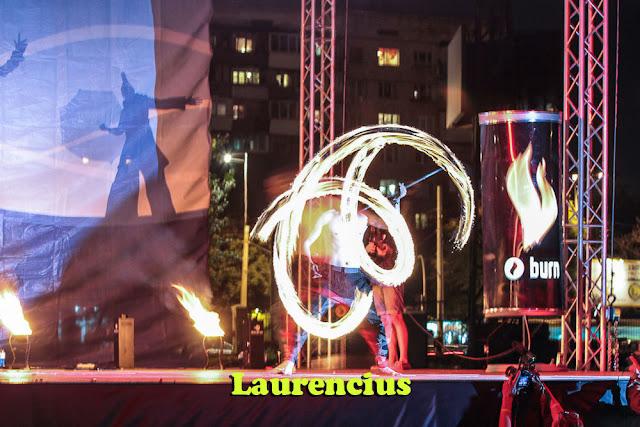 Manusia-Api-Pria-di-Festival-Internasional-2012-Ukraina_20
