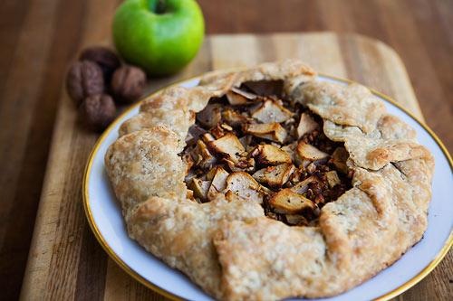 Sipmle recipe for apple walnut gorgonzola rustic tart | Only Best ...