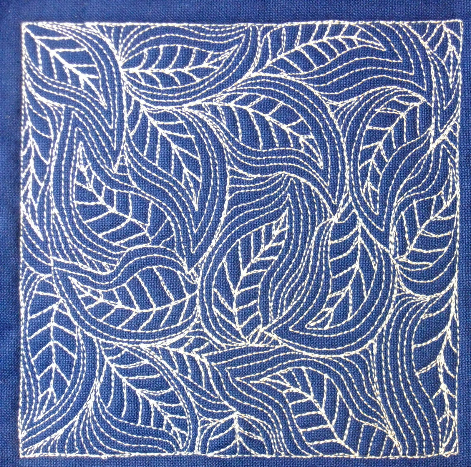 Quilting Patterns Stitching : The Free Motion Quilting Project: Day 364 - Flowing Leaves