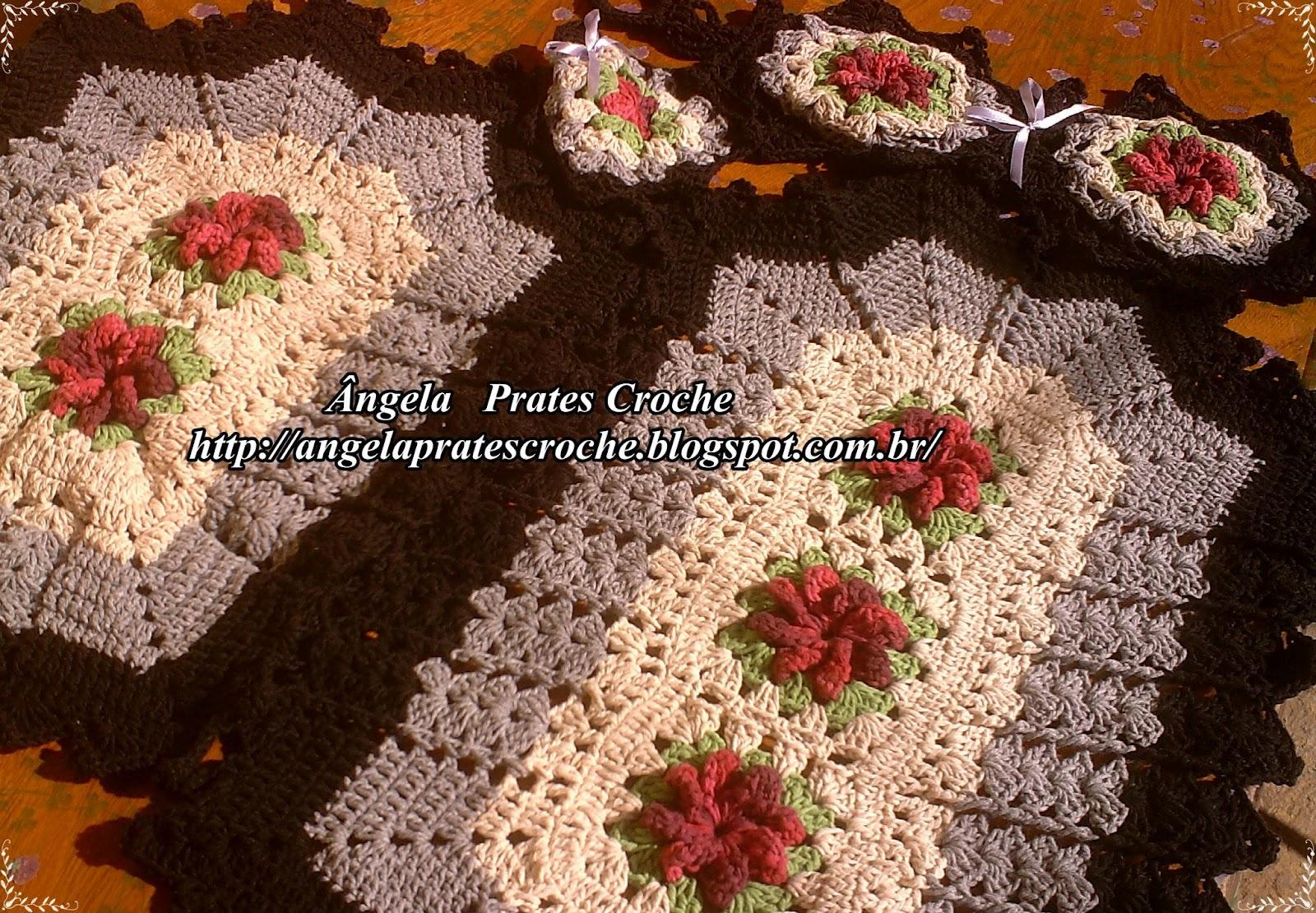 este tapete foi feito com barbante barroco lilás e roxo e o trento da  #291309 1600 1110