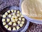 Prajitura cu ananas preparare in tava