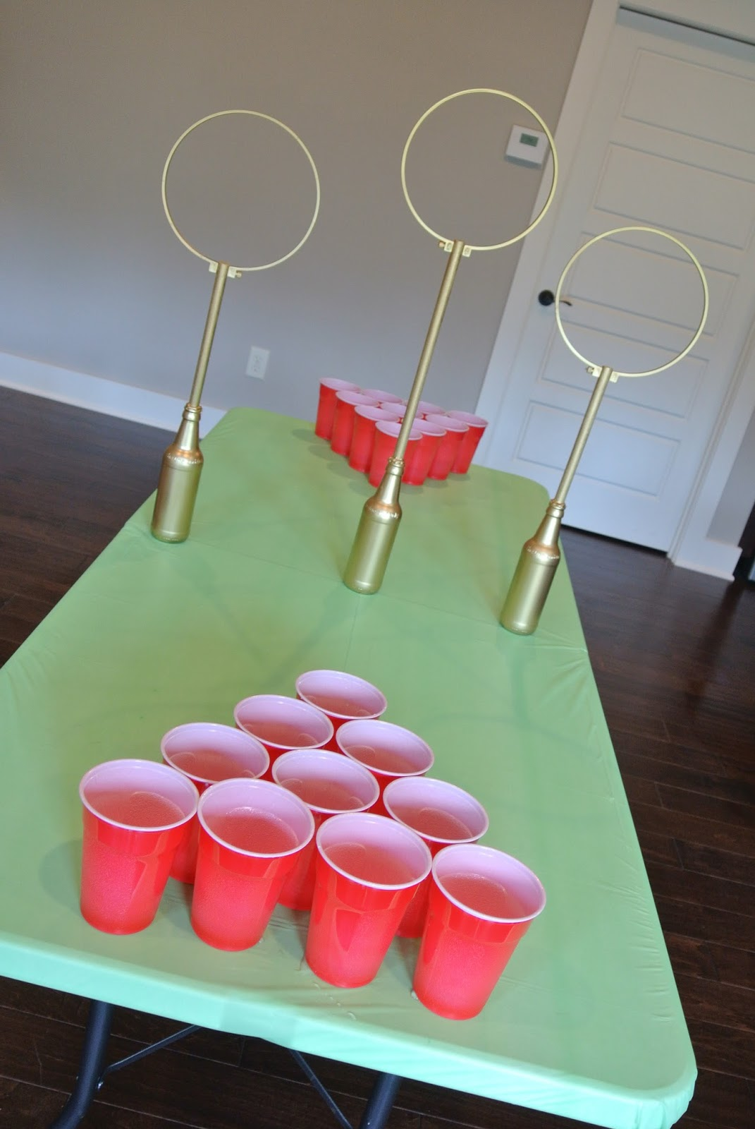 Farm to f te easy diy quidditch game for Table quidditch