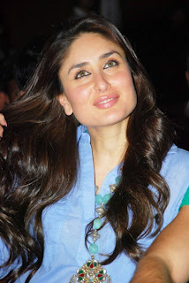 Kareena Kapoor looking cute At National Collages Festival