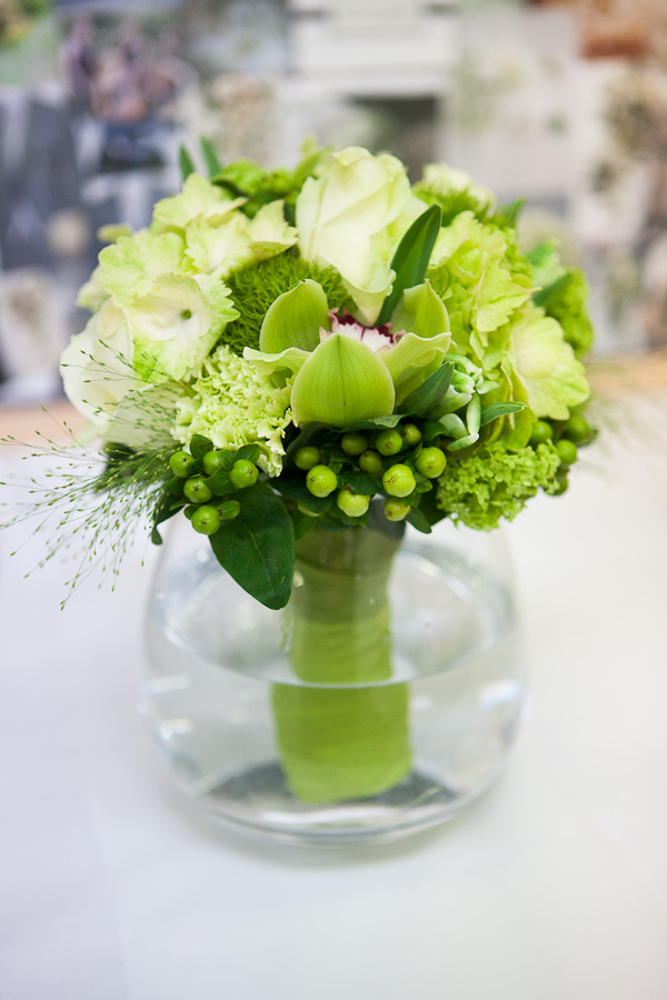 the flower magician fabulous green wedding bouquet. Black Bedroom Furniture Sets. Home Design Ideas