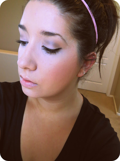 http://www.sparklemepink.com/2013/07/easy-retro-eye-look.html