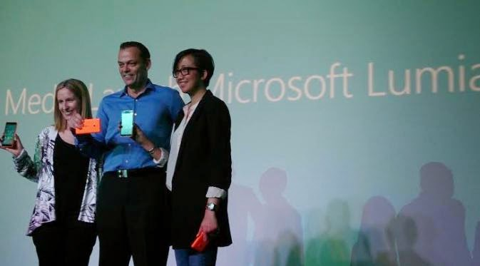 Automaker bmw will provide lumia smartphone to all employees