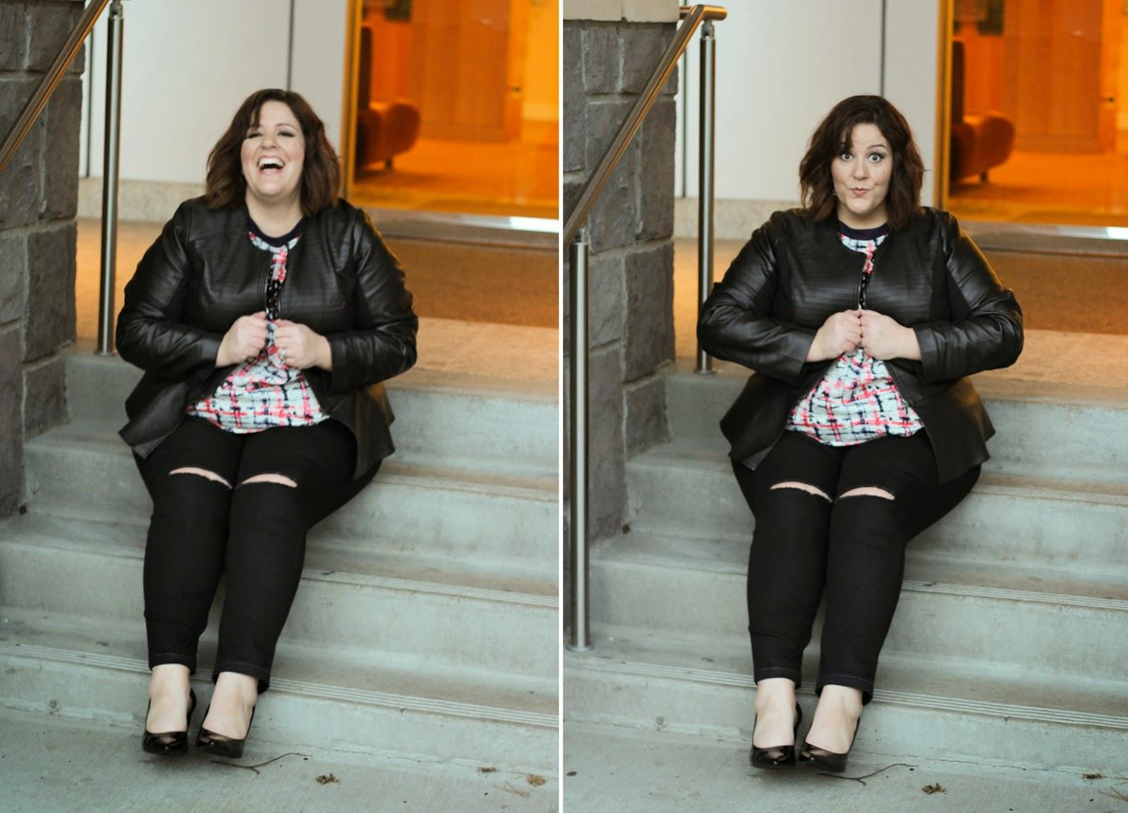 Perfect plus size black ripped knee skinny jeans blogger pick jessica kane