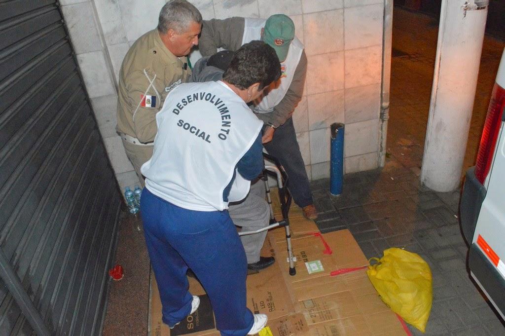Com o objetivo de ressocialização e reintegração familiar, a Secretaria de Desenvolvimento Social de Teresópolis tem intensificado operações de abordagem social à população em situação de rua
