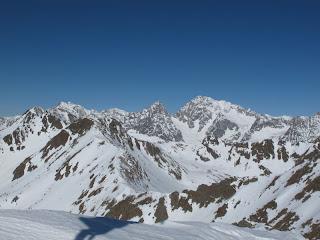 Blick vom Gipfel nach Norden auf die Rieserferngruppe