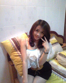 Sonita Mako annoying facebook girl
