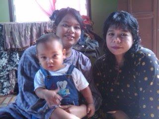 my mom n my si$ter *<*)