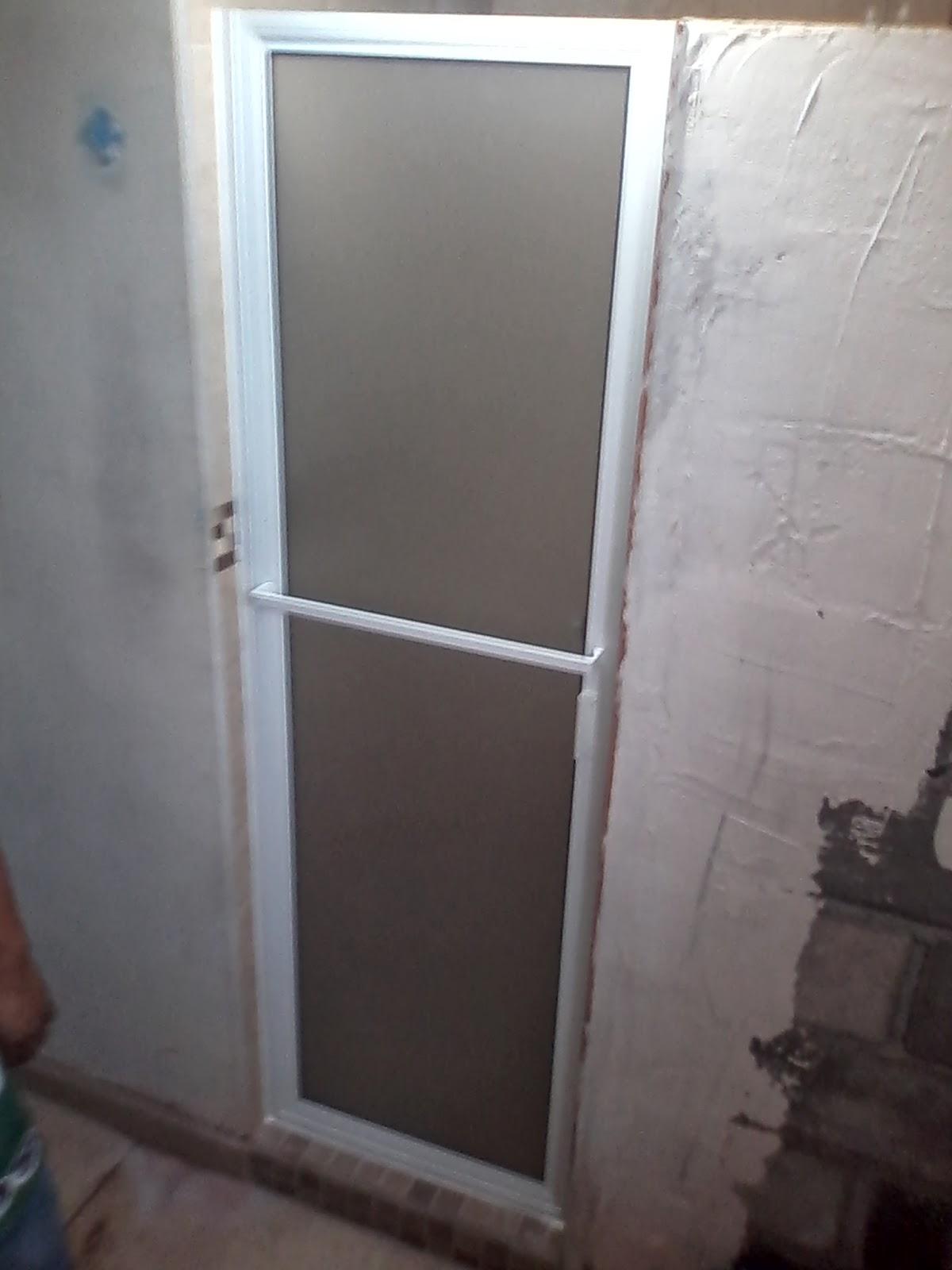 Laminas De Aluminio Para Puertas De Baño:Puertas, ventanas de aluminio: PUERTA BATIENTE DE ALUMINIO CON