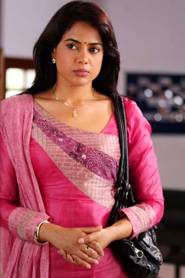 Sameera Reddy 1 - Sameera Reddy Latest Vedi,Vettai Film Cute Stills
