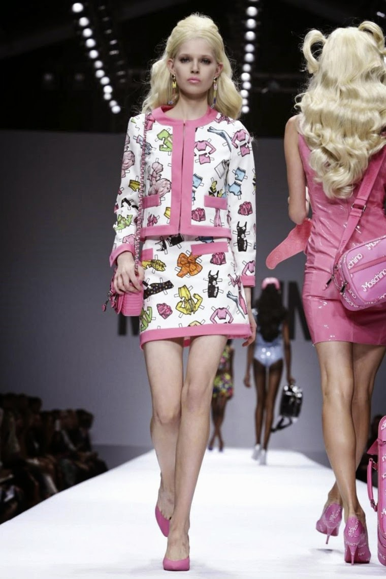 Moschino spring summer 2015, Moschino ss15, Moschino, Moschino ss15 mfw, Moschino mfw, mfw, mfwss15, mfw2014, fashion week, milan fashion week, milano fashion week, jeremy scott, moschino jeremy scott, du dessin aux podiums, dudessinauxpodiums, vintage look, dress to impress, dress for less, boho, unique vintage, alloy clothing, venus clothing, la moda, spring trends, tendance, tendance de mode, blog de mode, fashion blog,  blog mode, mode paris, paris mode, fashion news, designer, fashion designer, moda in pelle, ross dress for less, fashion magazines, fashion blogs, mode a toi, revista de moda, vintage, vintage definition, vintage retro, top fashion, suits online, blog de moda, blog moda, ropa, asos dresses, blogs de moda, dresses, tunique femme,  vetements femmes, fashion tops, womens fashions, vetement tendance, fashion dresses, ladies clothes, robes de soiree, robe bustier, robe sexy, sexy dress