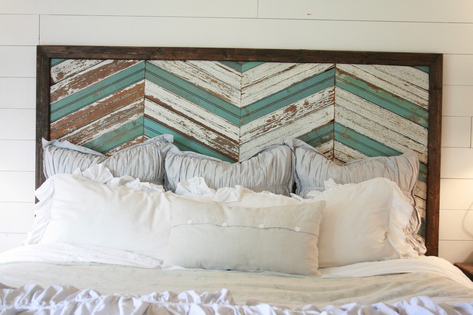 Grand design memorial day and a reclaimed wood headboard for Recycled headboards