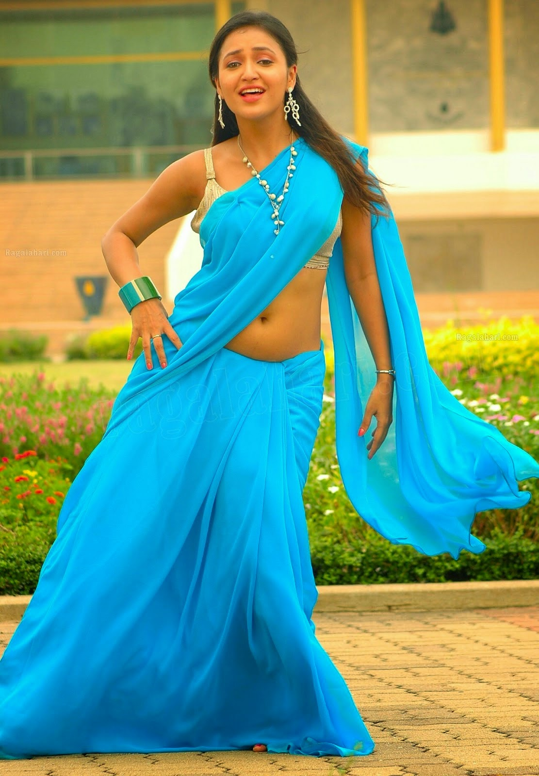 SAREE ACTRESS