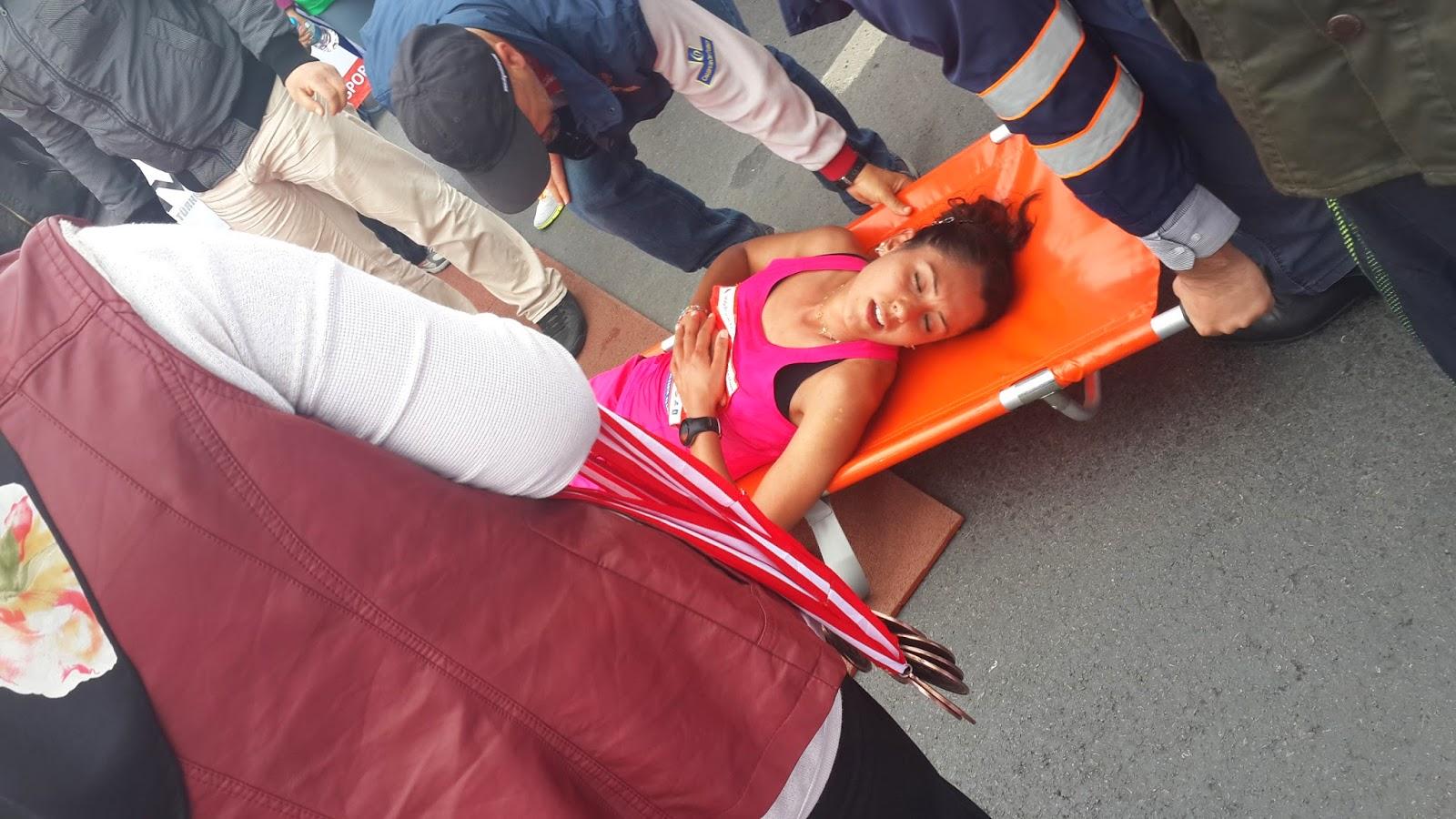 Vodafone Yarı İstanbul Maratonu 2014 Nisan rahatsızlanan kadın yarışmacı