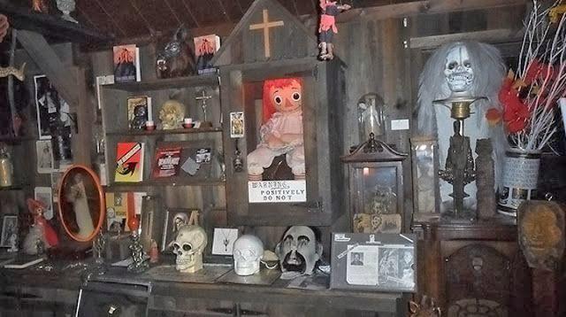 Muñeca real Annabelle los Warren