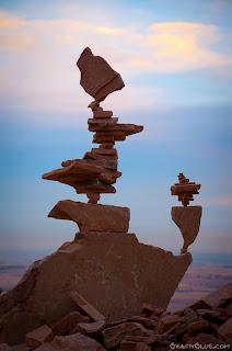 Seni Keseimbangan Batu Tingkat Tinggi I http://lintasjagat.blogspot.com/