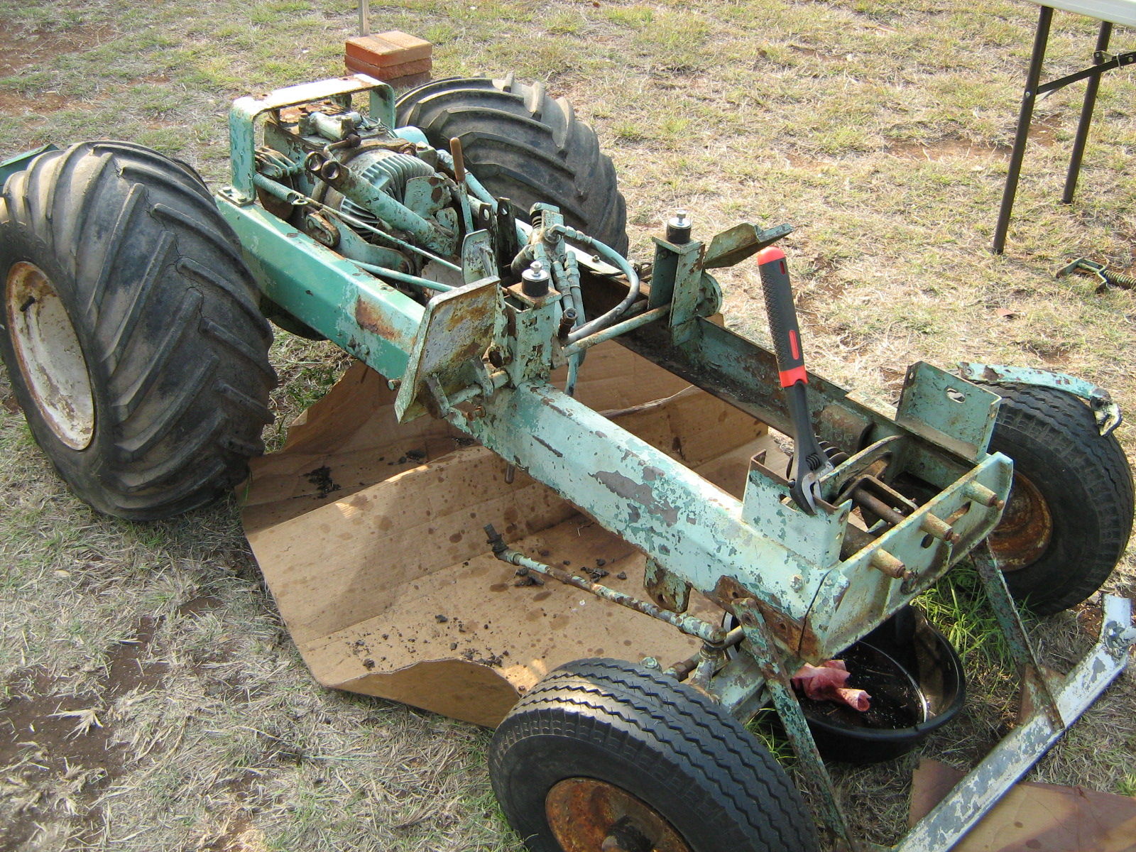 Same Tractor Parts : Same tractor engine parts free image for