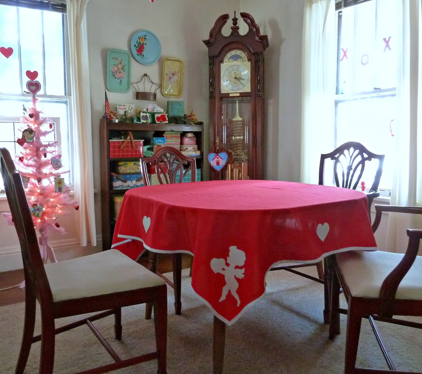 Old Glory Cottage Valentines Day Tablecloth