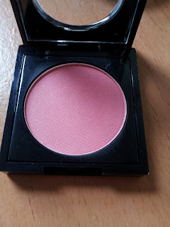fashionistA MUA flush blusher swatch