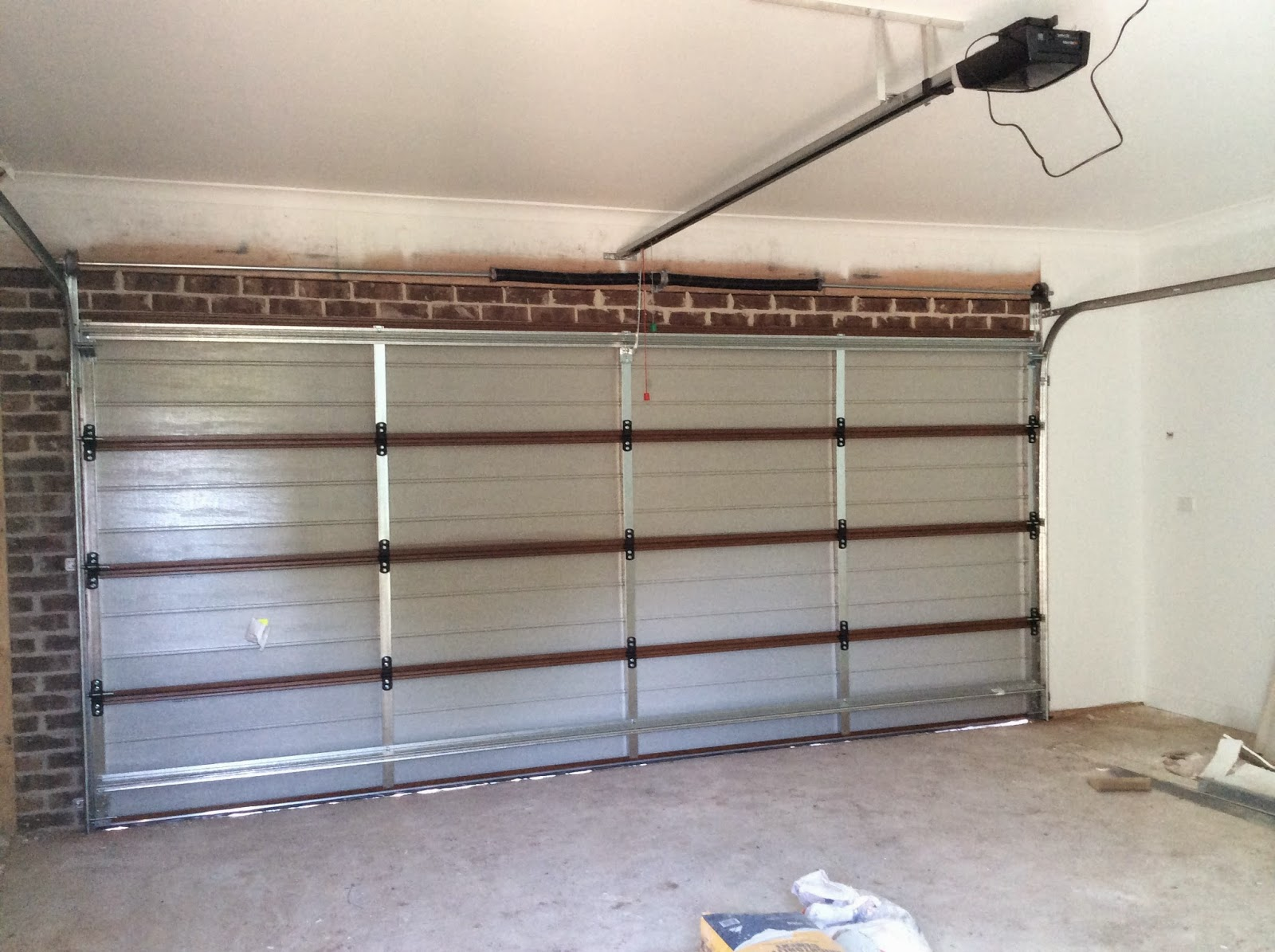 Building Nelson Dynamic Deco Wood Slimline Garage Door