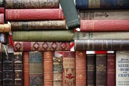 """Otros libros deuterocanónicos """"apócrifos"""" ; escudríñalos y pasa juicio sobre ellos"""