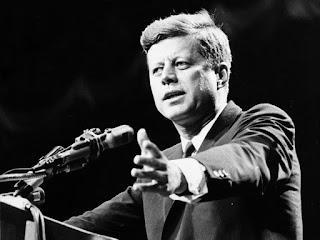 """ΑΠΟΚΑΛΥΨΗ: """"Η CIA σκότωσε τον Κένεντι για να συνεχιστεί ο πόλεμος"""""""