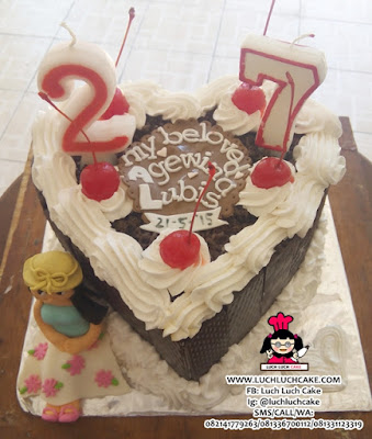 Kue Tart Blackforest Cute