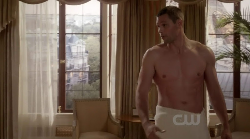 Justin Bruening Shirtless in Ringer s1e08