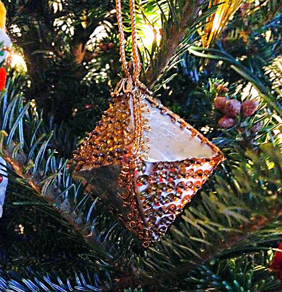Pyramid christmas ornament - Gold Sequin And Tin Foil Pyramid Grandma Ewing Mid 1980s