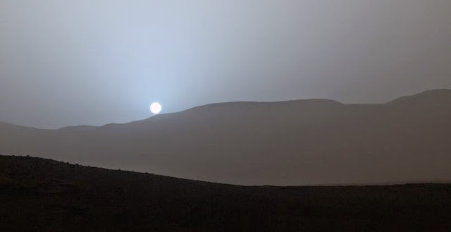 Sunset in Mars' Gale Crater. Credit: NASA/JPL-Caltech/MSSS