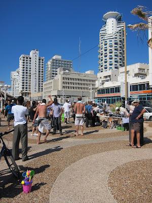 Tel Aviv religious dance fever