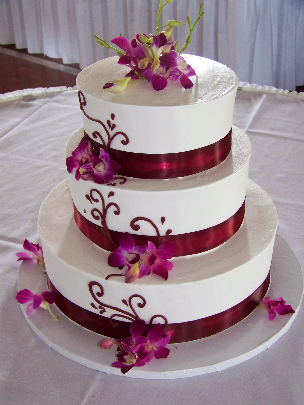 Red And Black Wedding Cake Designs