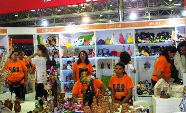 Artesãs panelenses participam da 15ª FENEARTE