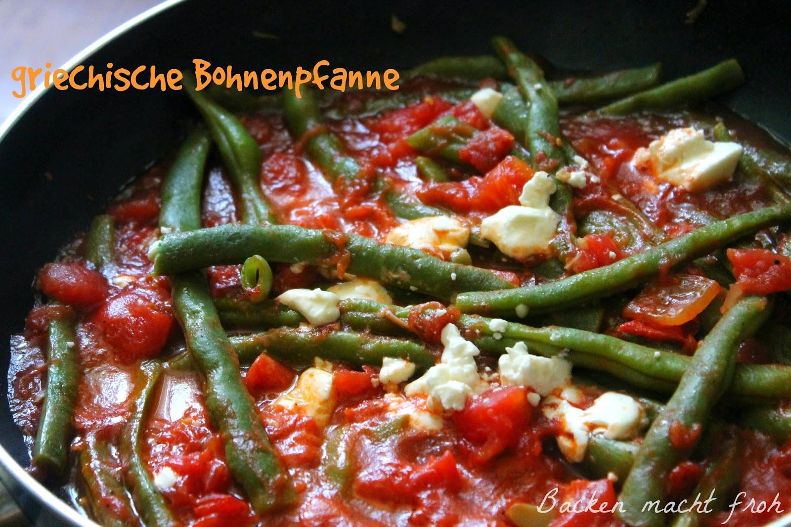 vegetarische Bohnenpfanne griechischer Art mit Feta