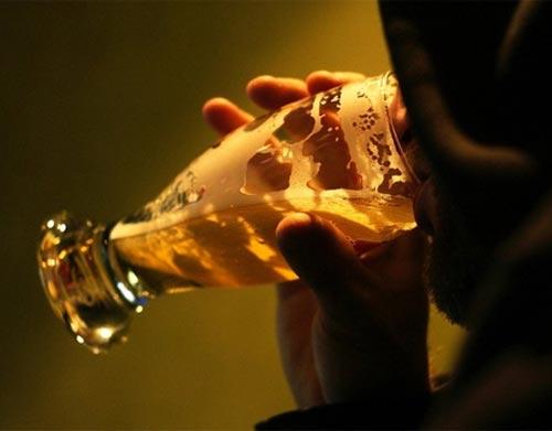 La norma el alcoholismo a la mujer