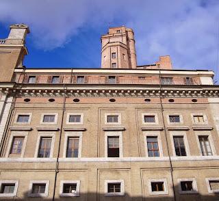 La torre Calandrelli a piazza del Collegio Romano