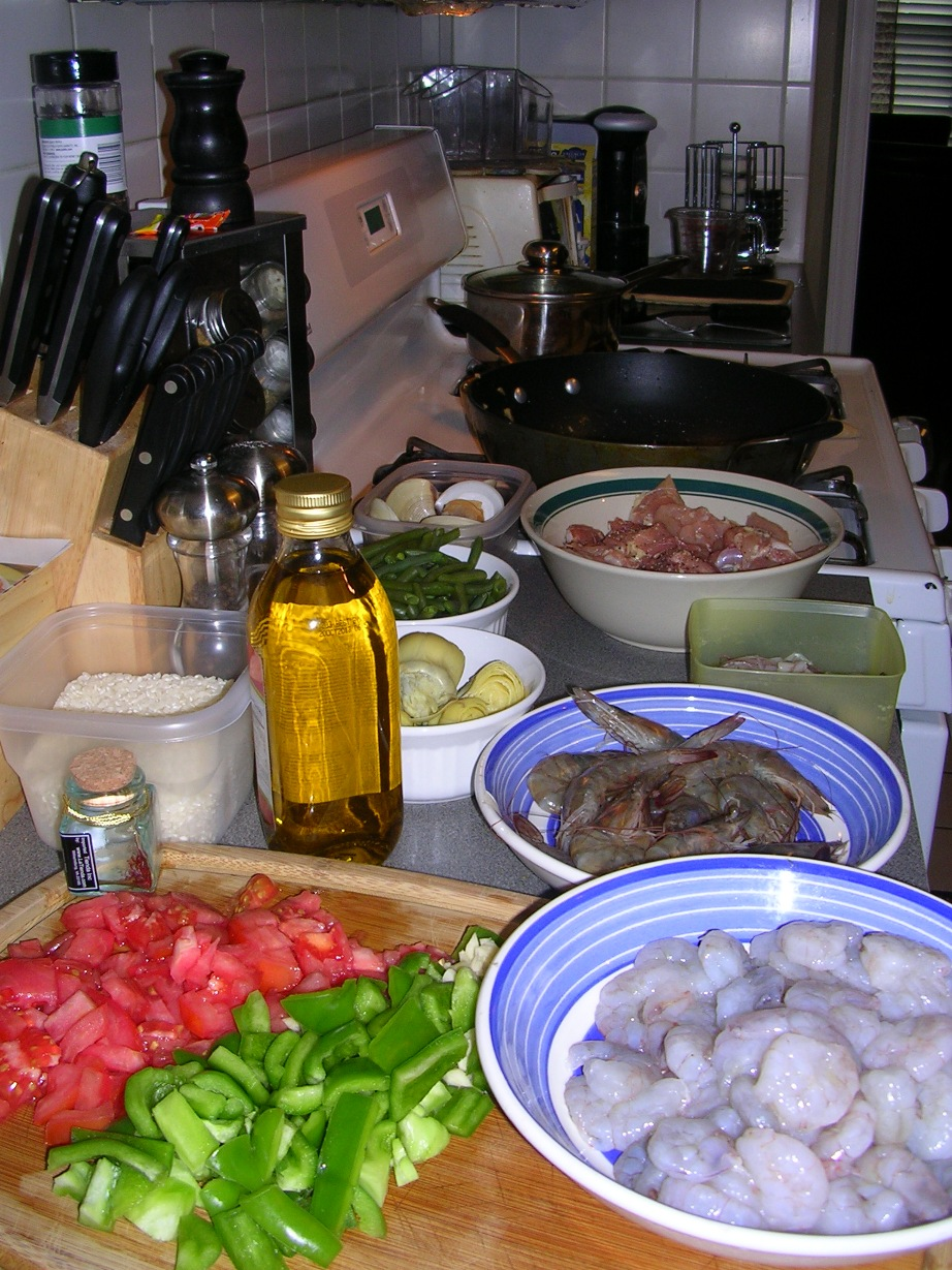 my kitchen in spain paella made in the usa. Black Bedroom Furniture Sets. Home Design Ideas